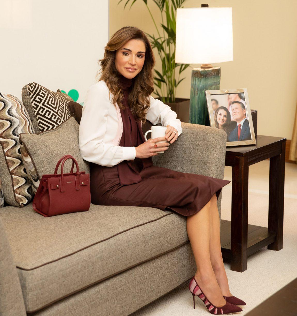 La Reine Rania Tres Feminine Lors D Un Grand Forum En Mer Morte Hola Maroc
